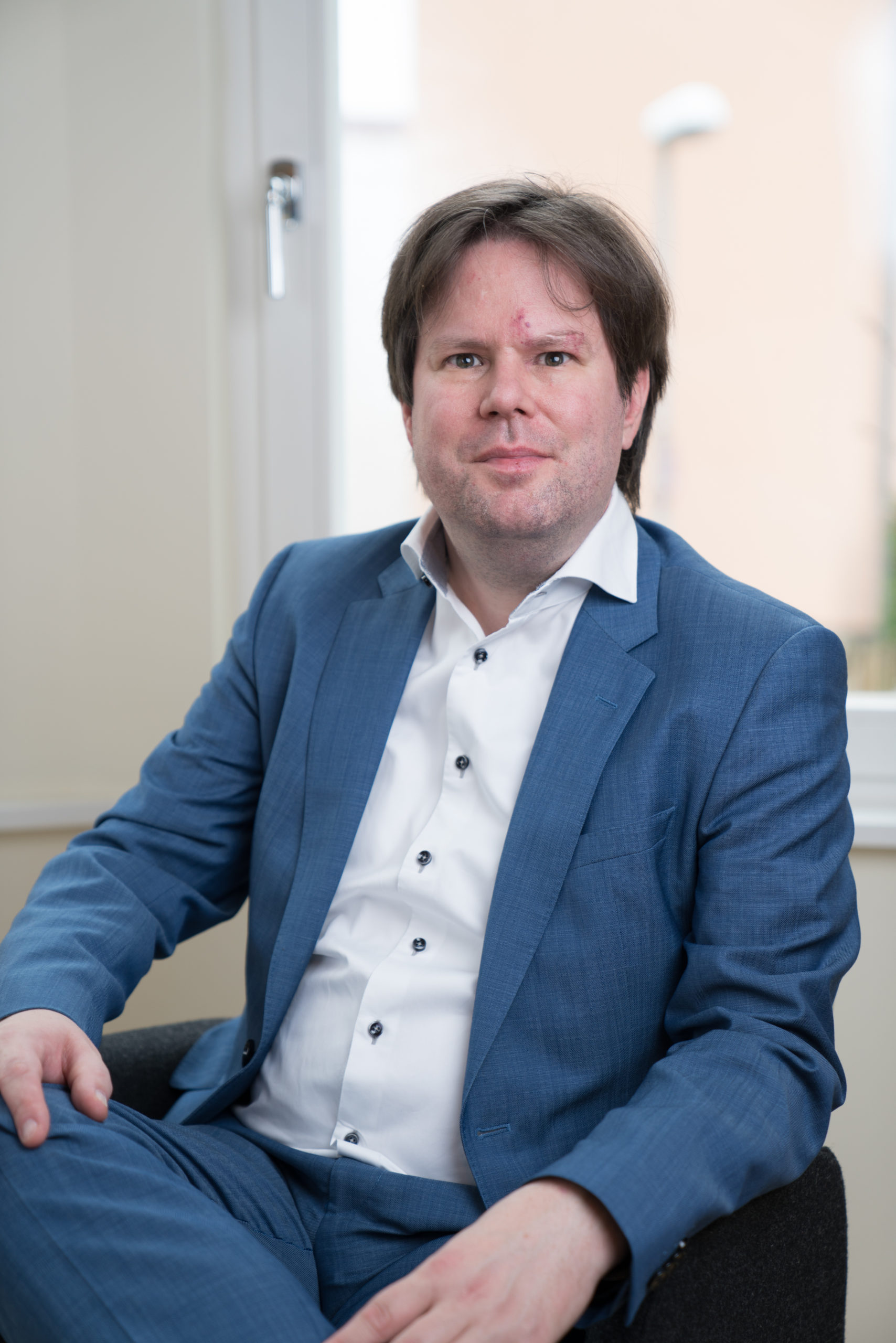 Dr. Steffen Helbing